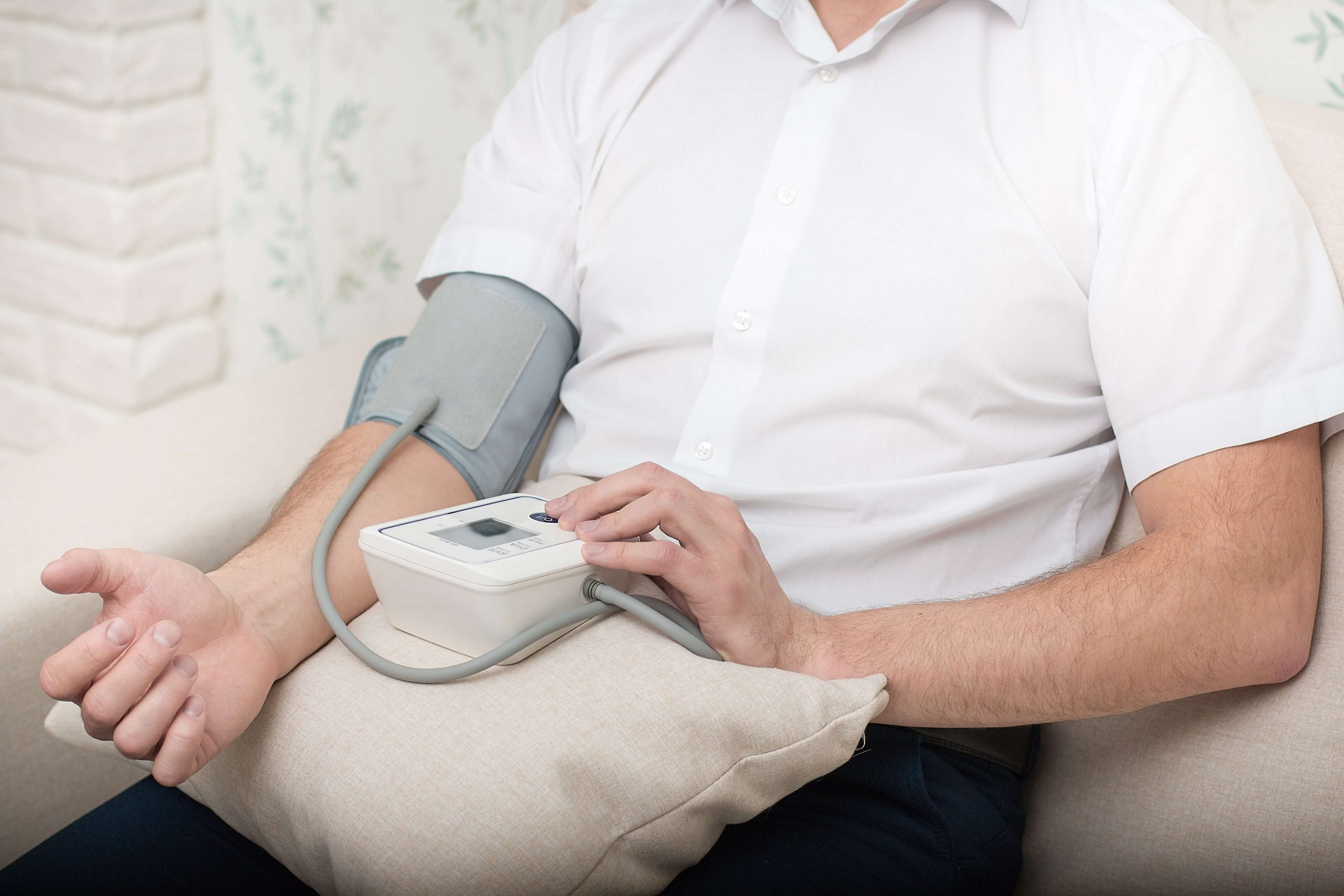 automated types of blood pressure machine